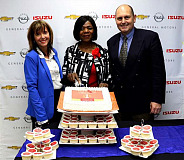 Thuli Madonsela (middle), accompanied by GMSA Managing Director, Ian Nicholls (right) and GM Africa Communications Manager, Denise van Huyssteen