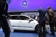 Breaking News: Volkswagen says 11 million cars worldwide are affected in diesel deception