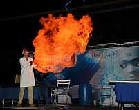 Perfect chemistry in the Science & Technology Lab at the BIG Rand Show 2016