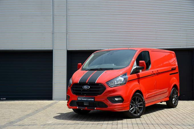New Ford Transit Custom - Enhanced Style, Productivity and Technology
