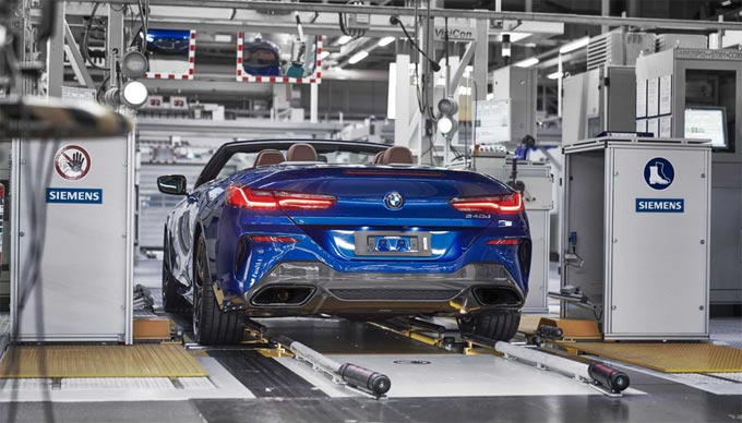 Start of production in Dingolfing: First BMW 8 Series Convertible rolls off the line