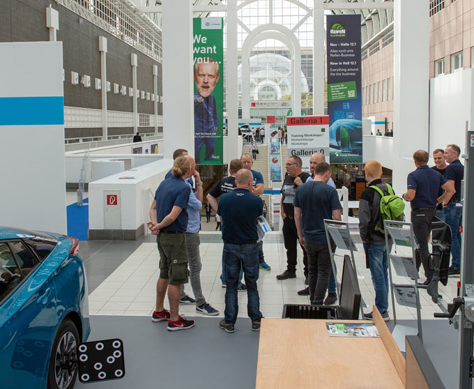 New exhibitor record and more visitors at the 25th Automechanika Frankfurt