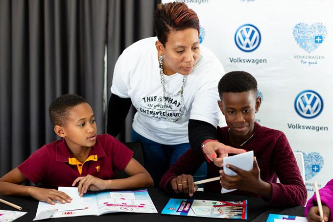 Volkswagen Group South Africa partnered with Young Entrepreneurs to teach the children of VWSA employees about entrepreneurship through their holiday programme. Here is Young Entrepreneurs facilitator Blanche Britz with Xylon Goliath (left) and Lihlumelo Tuis (right). Photo: Sandy Coffey