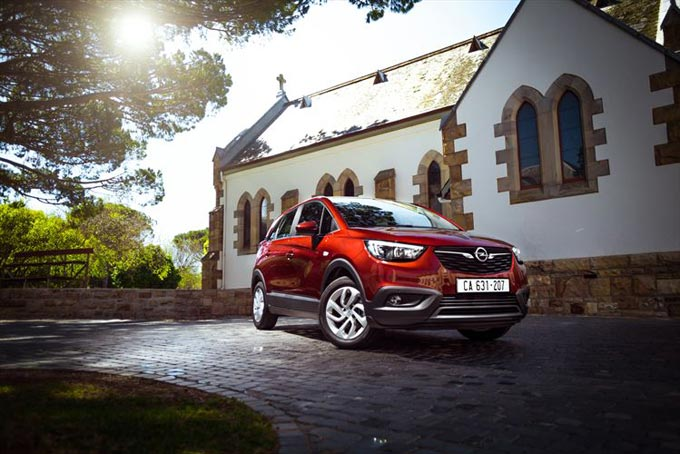 Opel introduces Diesel economy in the Crossland X Enjoy 1.6TD (Turbo Diesel) powertrain with a combined fuel consumption of 5.4 L/100 km