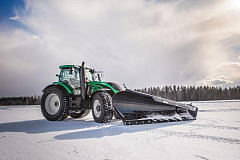 World record: Unmanned Valtra removes snow at 73.171 km/h