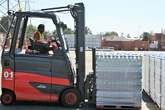 Electric forklifts for fast-growing drinks producer