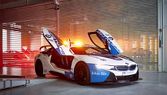 A true BMW racer at the front of the field: new Formula E Safety Car livery presented in Mexico City
