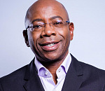 BLSA CEO Mr Bonang Mohale receives the FMF 10th Luminary award