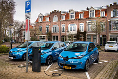 World first: Groupe Renault starts piloting vehicle-to-grid charging in electric vehicles on a large scale