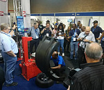 Tyre-changing competition a hit at Automechanika Johannesburg 2019