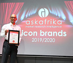 Adnaan Emeran, Engen Lubricants Marketing and Business Development Manager recieves the Ask Africa Icon Brand Award