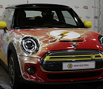 MINI Electric celebrates the 80th anniversary of the superhero