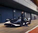 Lando meets Elva: McLaren's rising star demonstrates the pure driving exhilaration offered by the new McLaren Elva